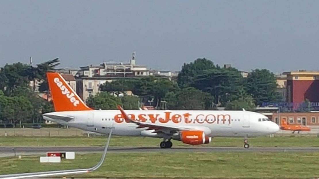 transfer aeroporto arrival e departure